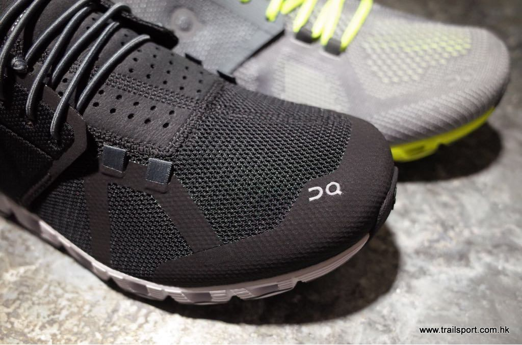 On running cloud shoes